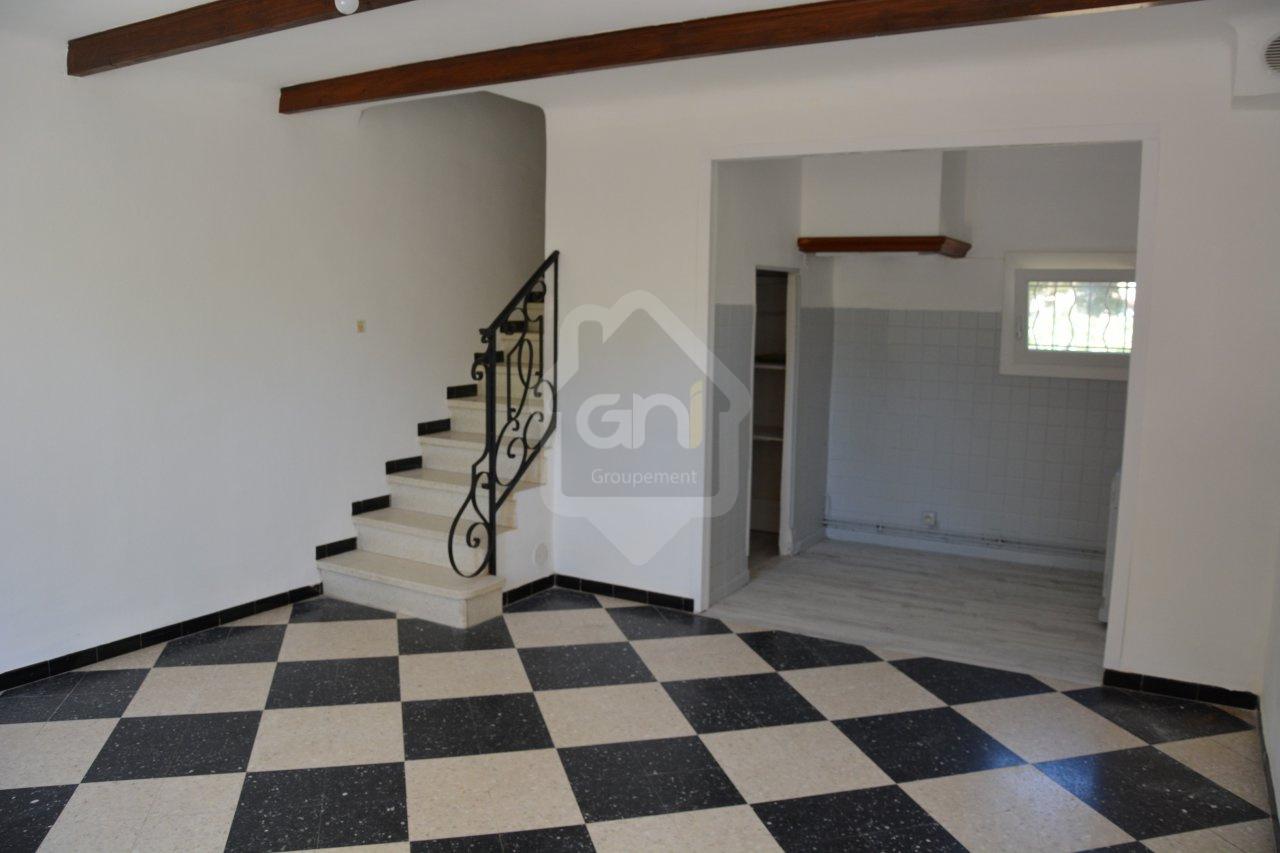Location appartement 4 pièces travaillan 84850