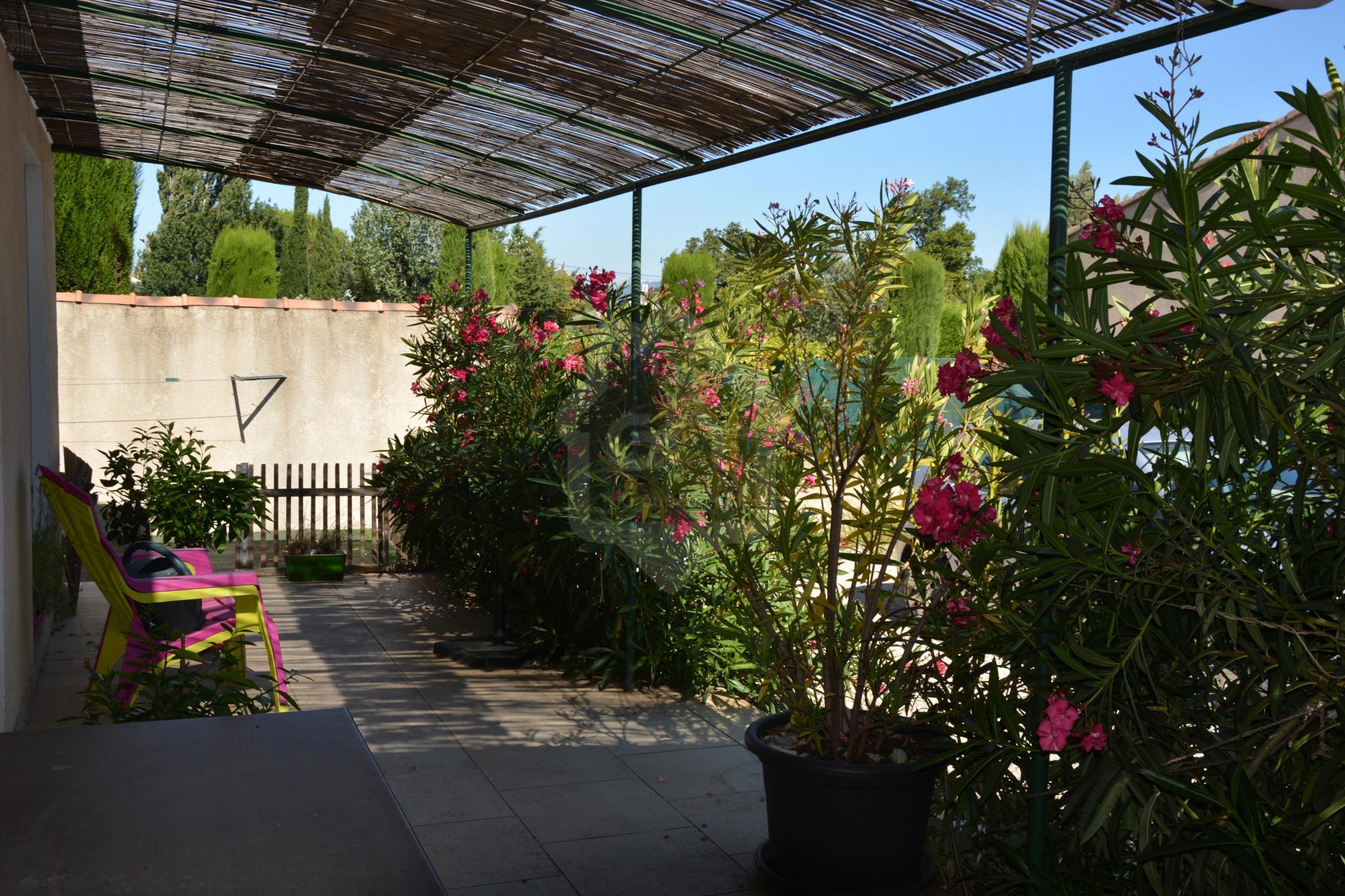 Location maison/villa 4 pièces camaret sur aigues 84850